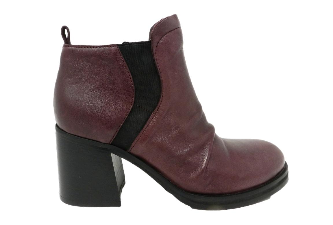 Stivaletti donna della collezione Jacobus calzature