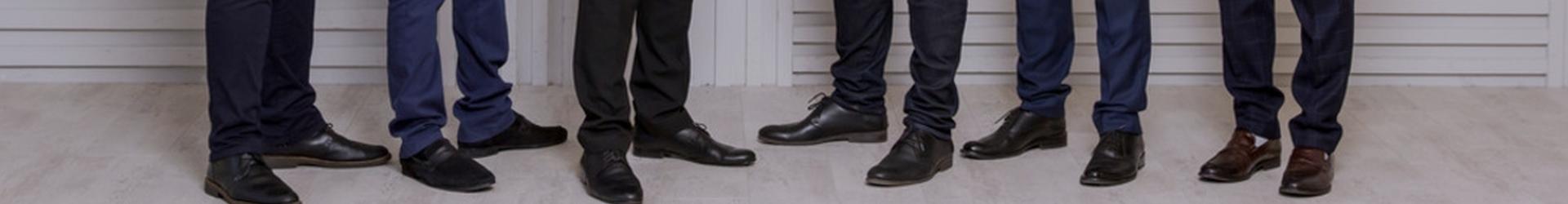 Collection de chaussures pour hommes fabriquée en Italie.
